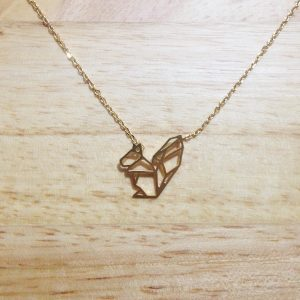 MA COMMODE DOREE COLLIER ORIGAMI ECUREUIL