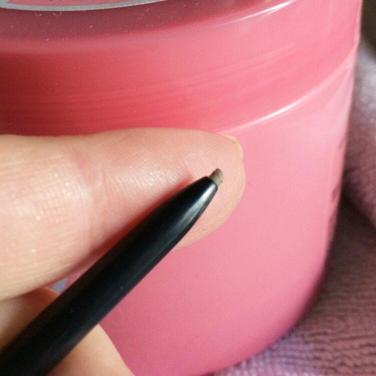 favoris 2in1 brosse et crayon à sourcils soap & glory