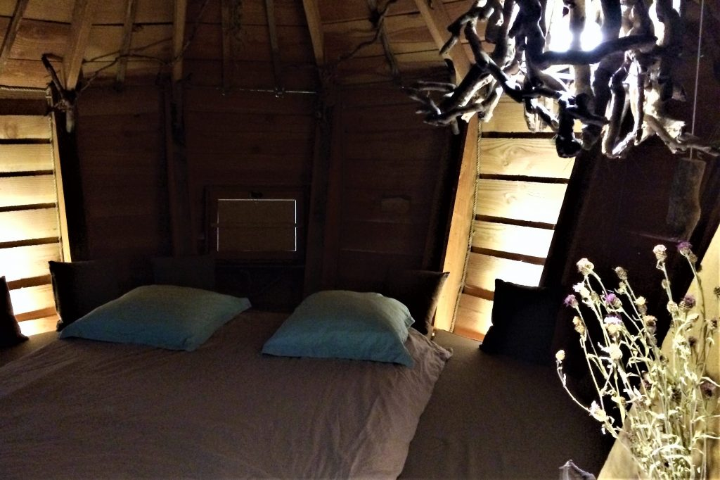 les cabanes du chateau de mirabelle doubs