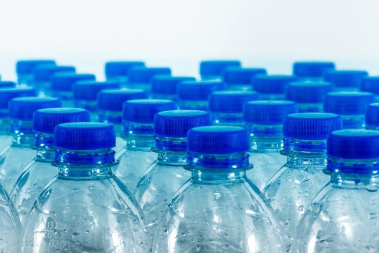 bouteilles eau plastiques