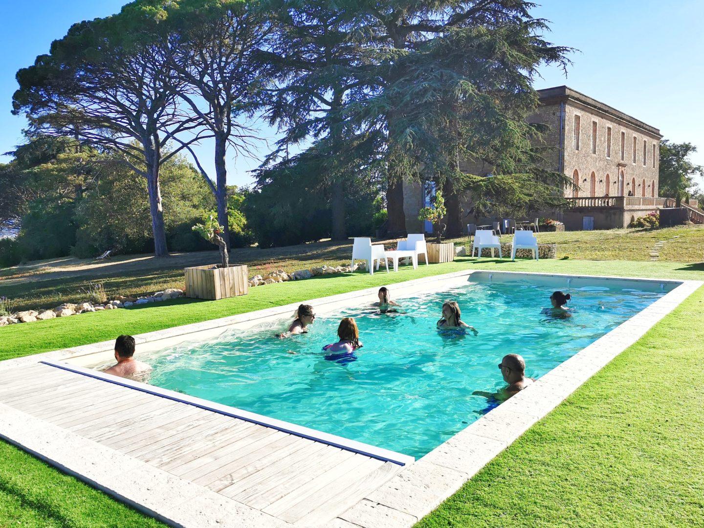 piscine chateau de tauzies